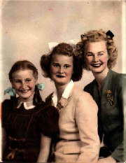 fueckersisters40s.jpg